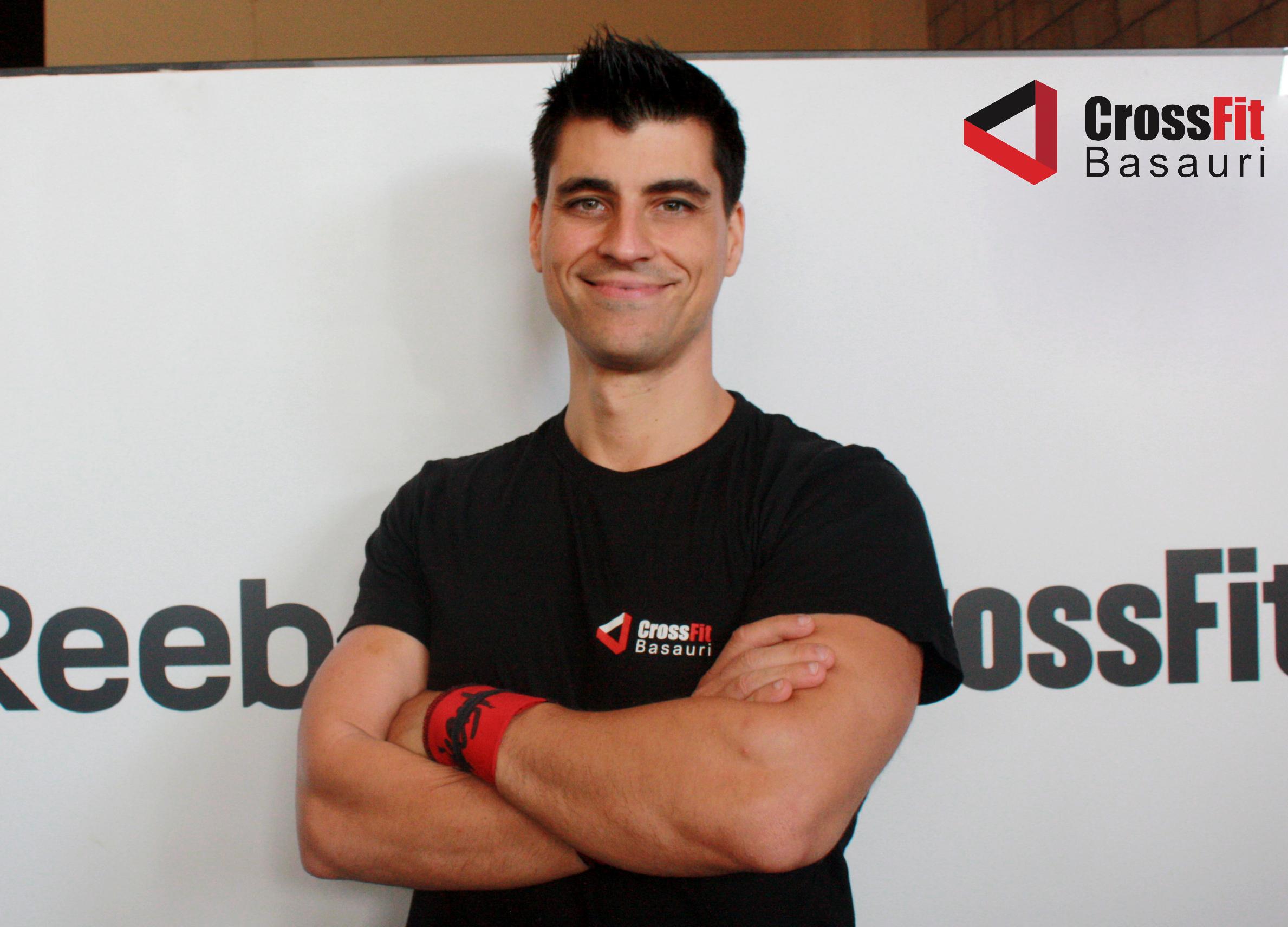 http://crossfitbasauri.com/entrenadores/alex-castro/