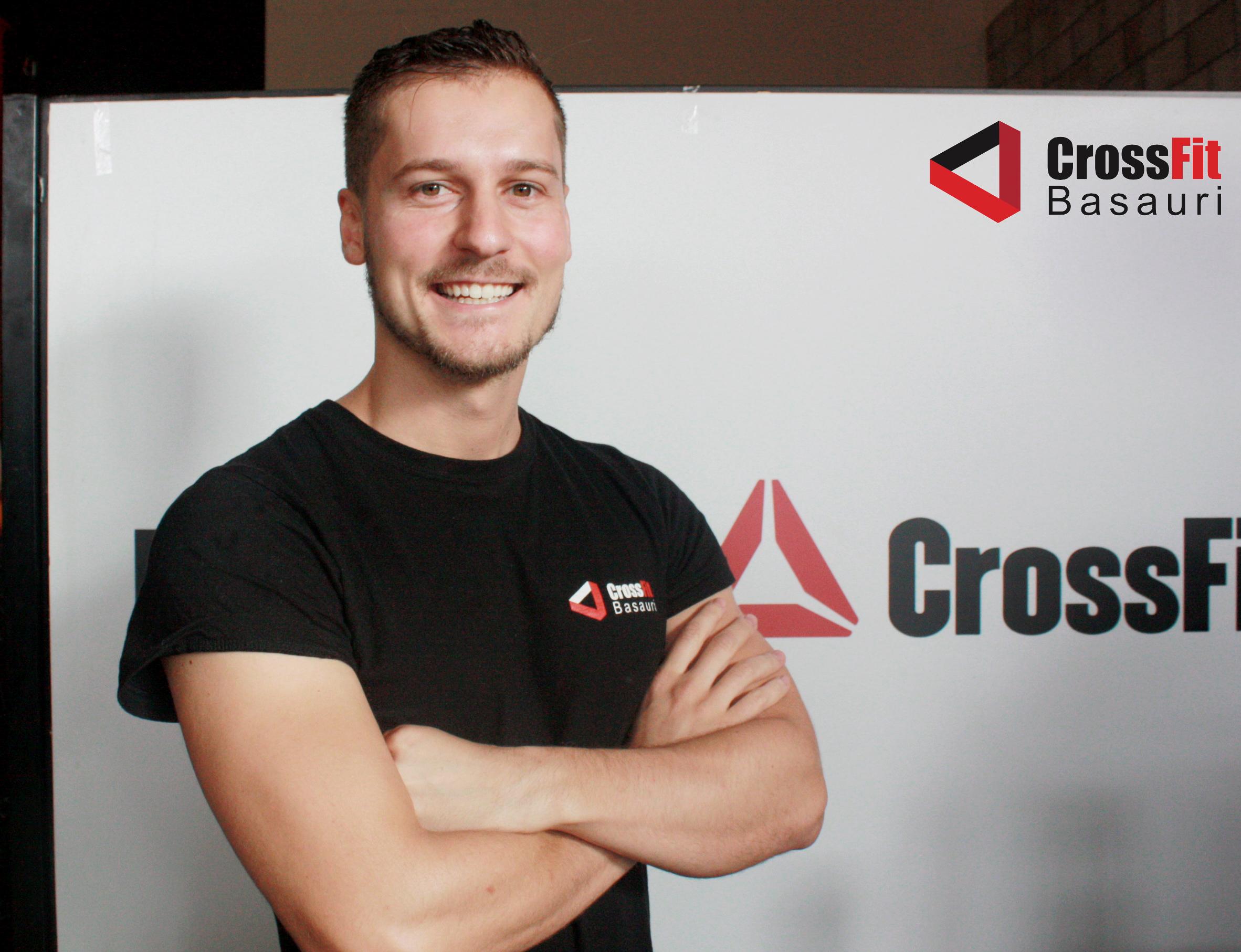 http://crossfitbasauri.com/entrenadores/iker-mate-sanz/